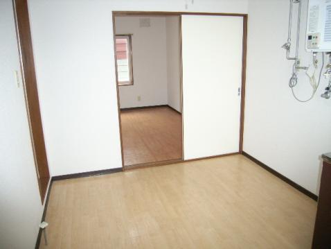 マクセル16/100 205号室賃貸物件_室内写真02